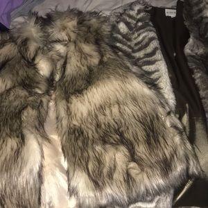 BUNDLE 😎*3 for 1 price faux fur stylish VEST